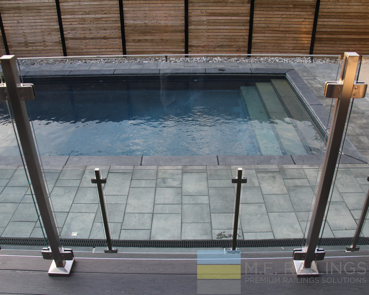 Glass And Stainless Steel Railings For Deck And Pool