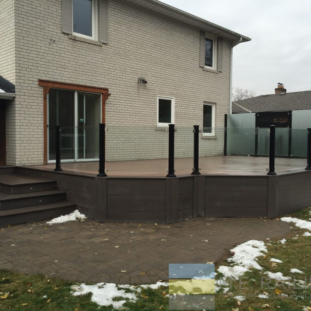 Aluminum Deck Railings with Glass